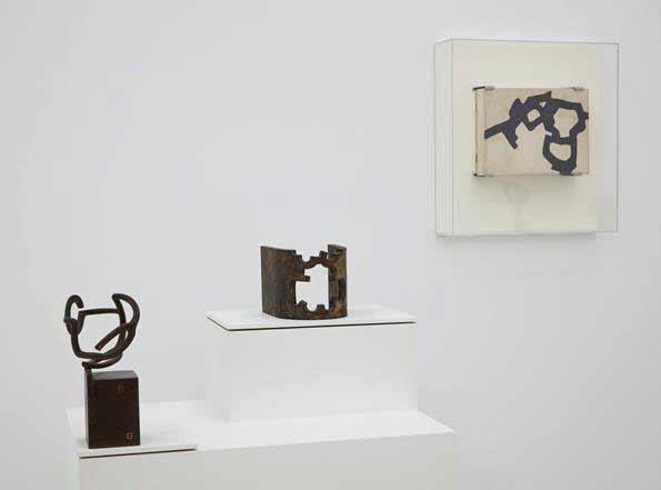 Galería Cayón - Eduardo Chillida, La curva cóncava