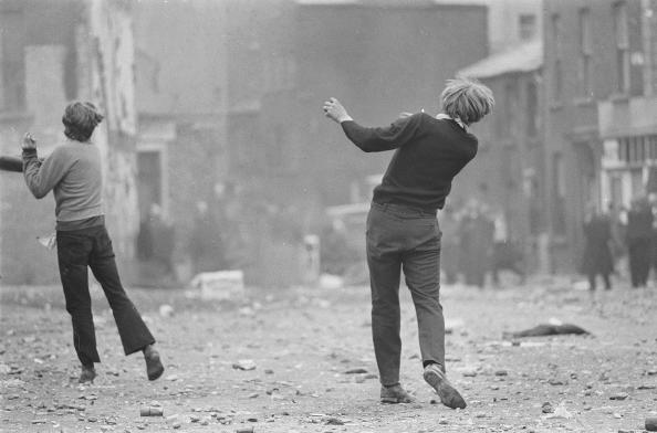 Gilles Caron - Manifestations anticatholiques à Londonderry, 1969