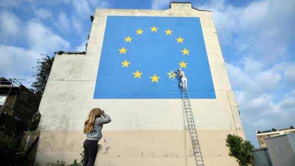 Murals de Banksy sobre el Brexit en un edificio de Dover