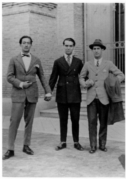 Salvador Dalí, Federico García Lorca y Pepín Bello en el Museo de Ciencias Naturales de Madrid, 1925.