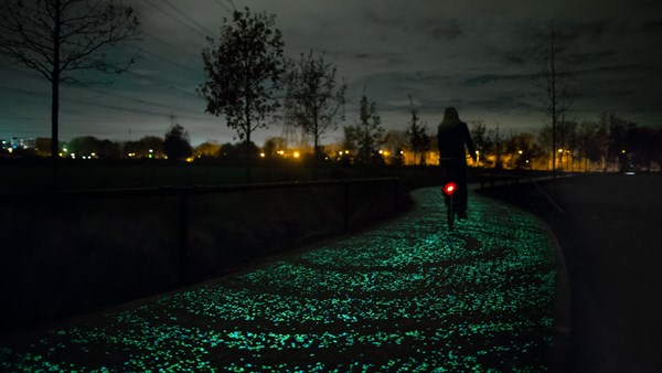 Daan Roosegaarde - Van Gogh Path - Landscapes of the Future