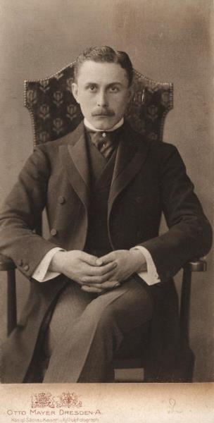 Adolf Loos (1870-1933), Fotografie von Otto Mayer.