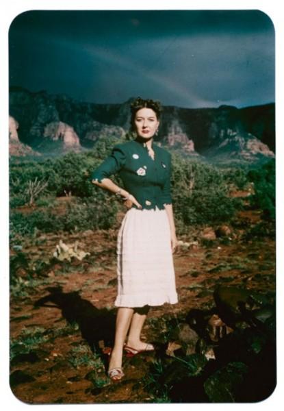 Dorothea Tanning, Sedona, Arizona - Fotografía de Lee Miller, 1946. © Archivos de Lee Miller.