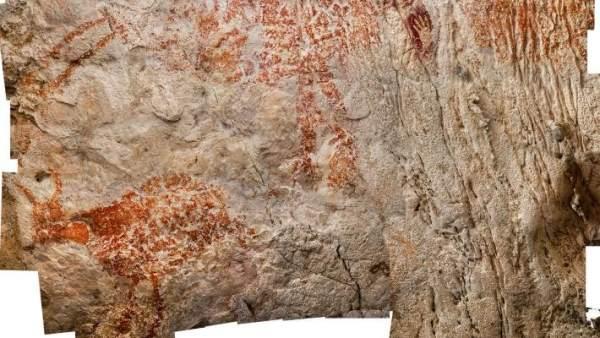 Pinturas rupestres en la cueva Lubang Jeriji Saléh, en la jungla de la isla de Borneo, del archipiélago de Indonesia.